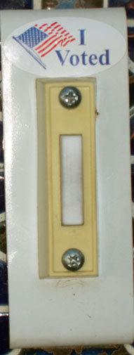 i-voted-doorbell-blog-10-21-08.JPG