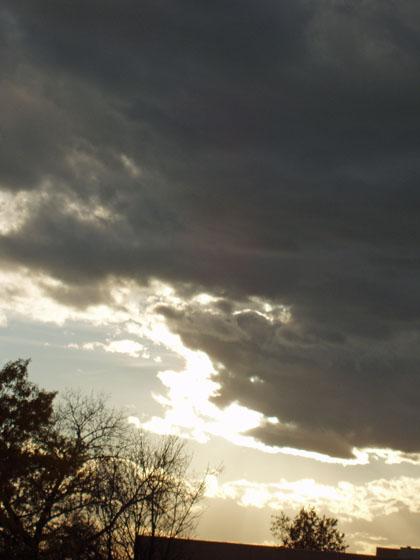 fall-sky-w-gold-edging-11-4-08.jpg