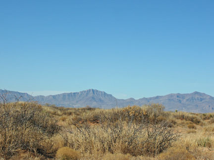 fort-bliss-mountain-backdrop-1-25-09.jpg