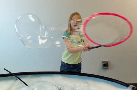 childres-museum-bubbles-3-21-09.jpg